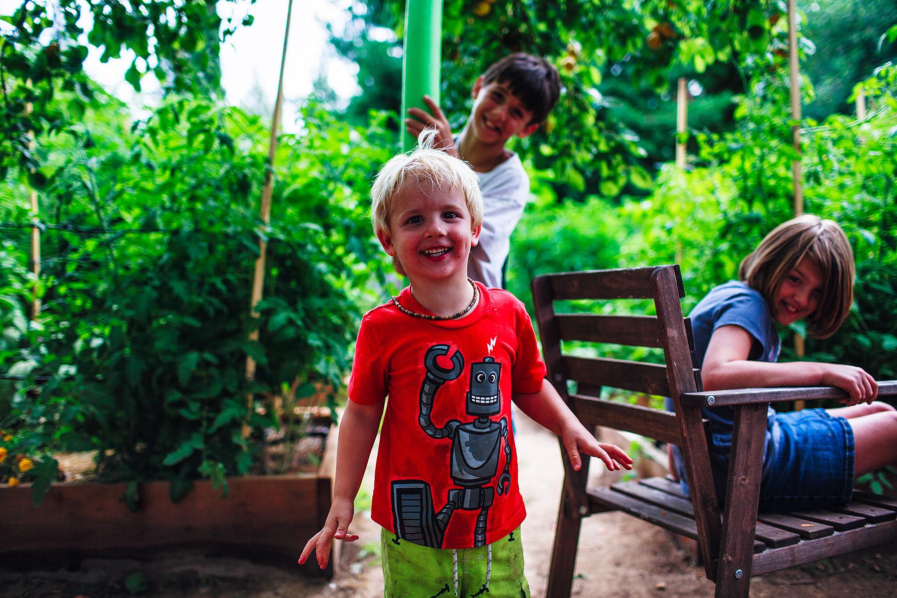kids-in-the-organic-garden.jpg