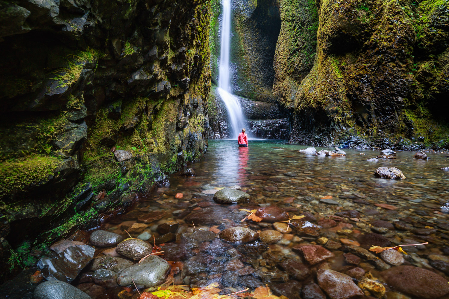 The awesome reward of hiking up Oneonta Gorge is going for a dip in the pool below the Lower Oneonta Falls, Oregon.
