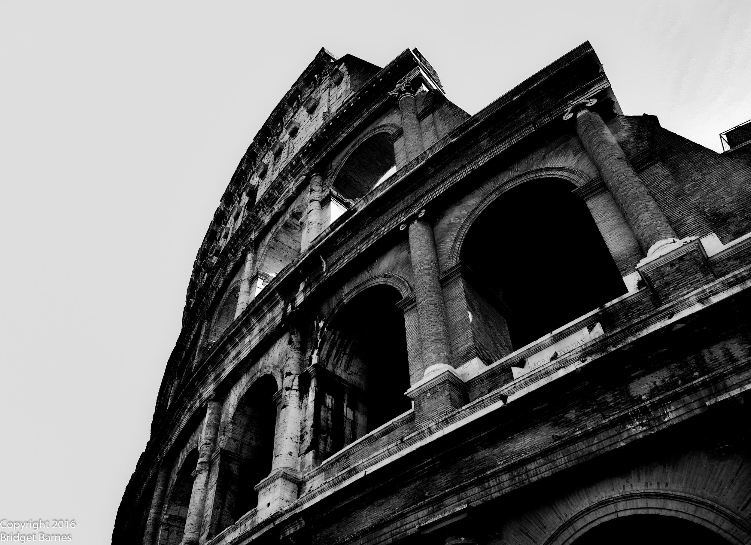 BandWColosseum.jpg