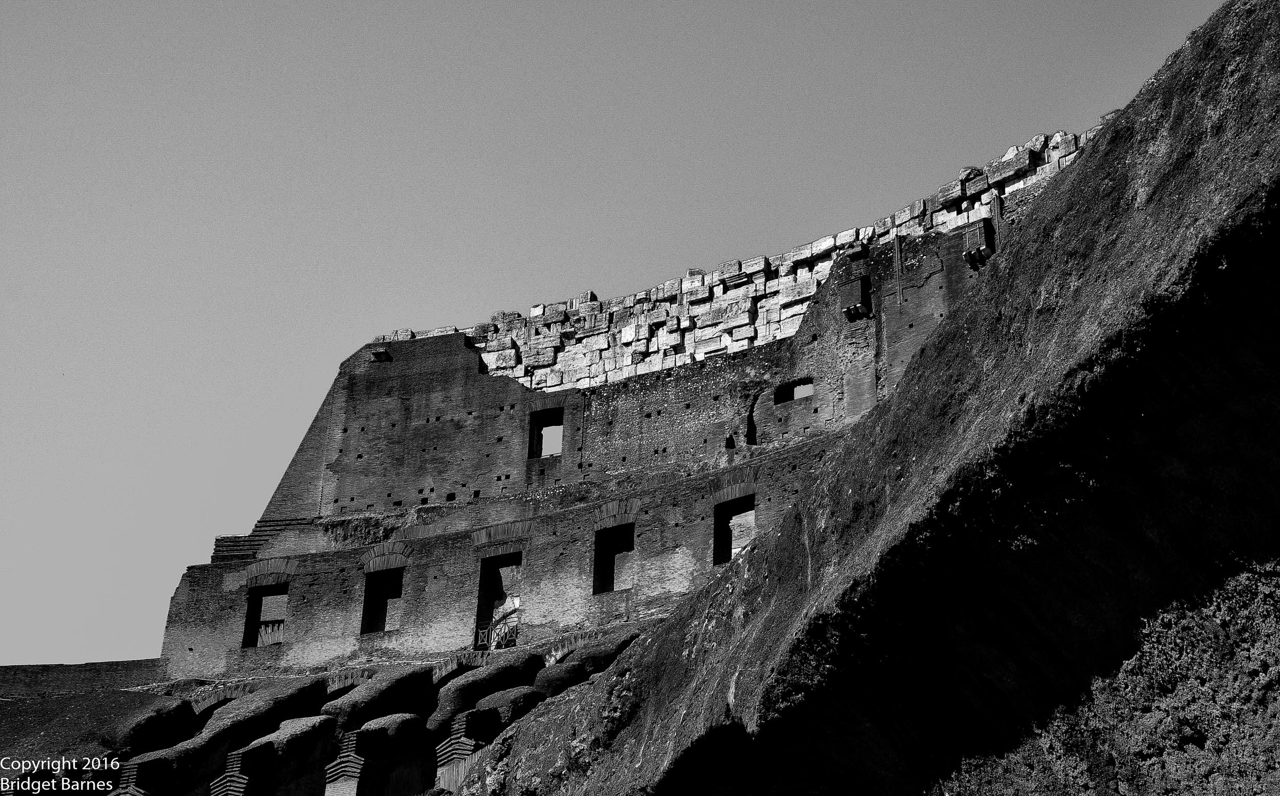 BandWColosseum2.jpg