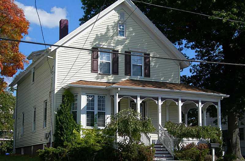 208 Narragansett Avenue