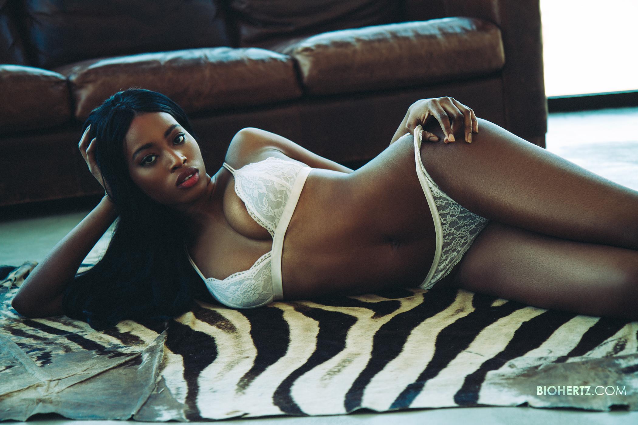 lingerie-photographer-chicago-glamour-models-zebra-3a-retouchninjas-biohertz.jpg