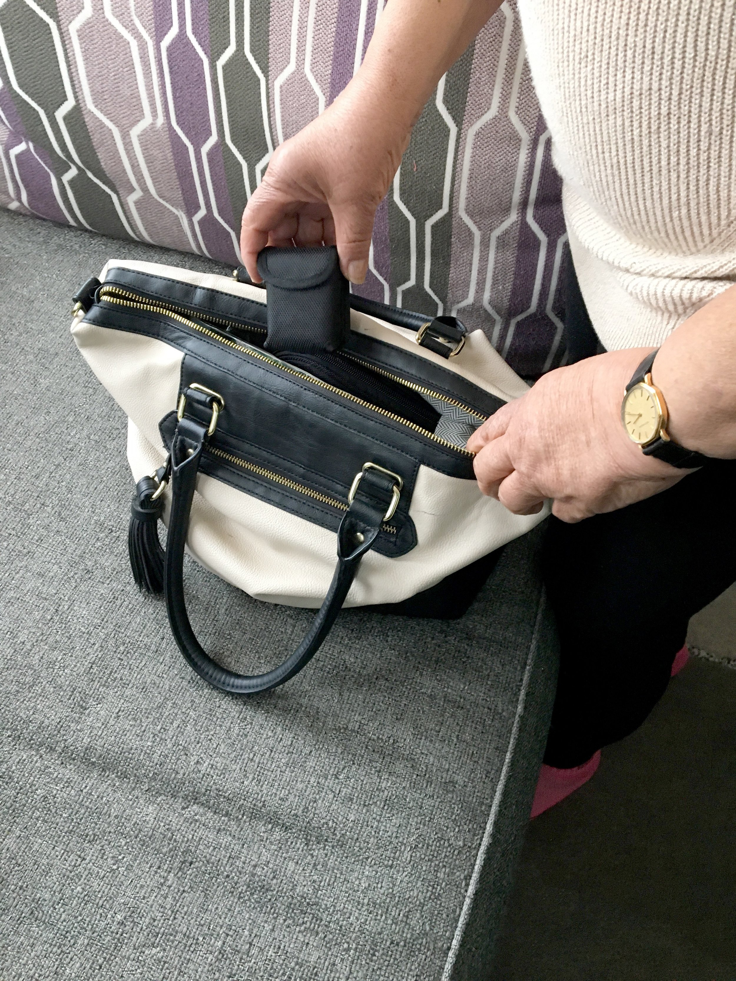 GPS pouch is discreet and easy to carry around.
