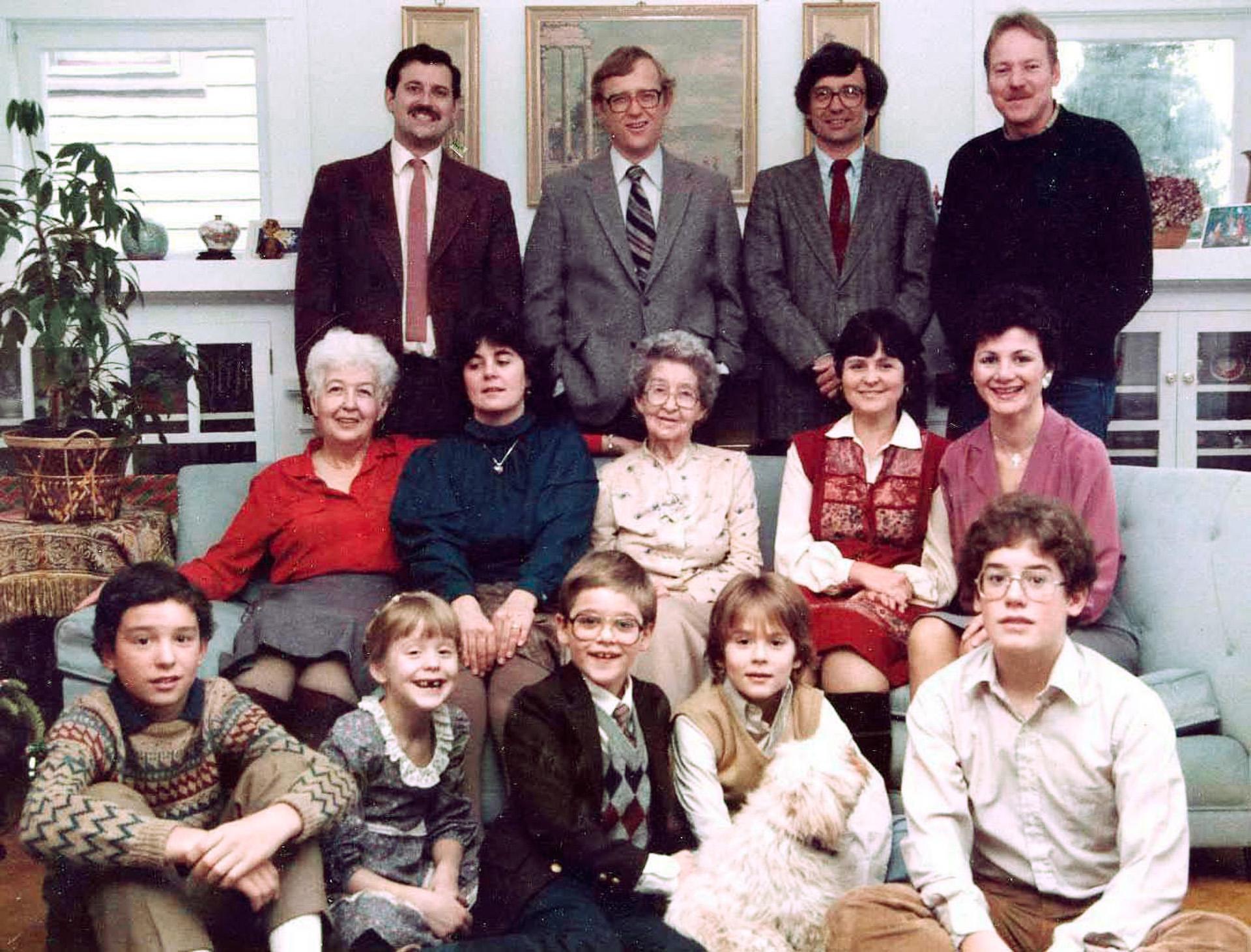 37a-Presentation-Mary-Boyer-and-family_16_1350px_1920px.jpg