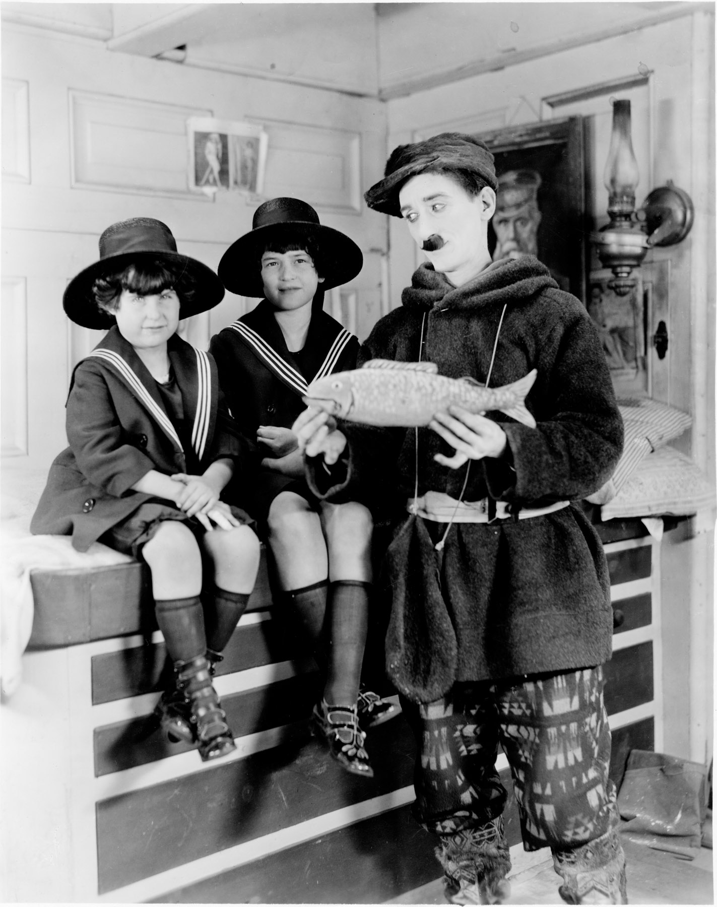 Ruth and Bernice with Actor Clyde Cook, Hollywood (1921)