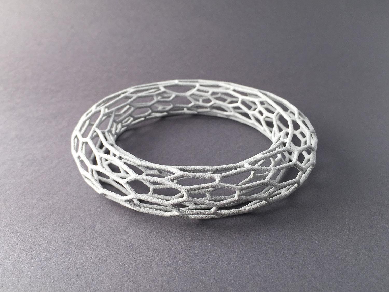 digimorphe_wireframe_bracelet_2_9637_bw.jpg