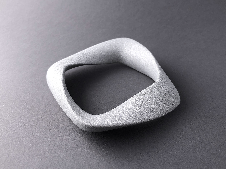 digimorphe_square_bracelet_2_8701_bw.jpg