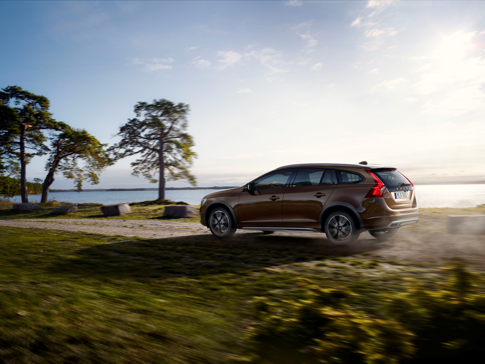153913_Volvo_V60_Cross_Country.png