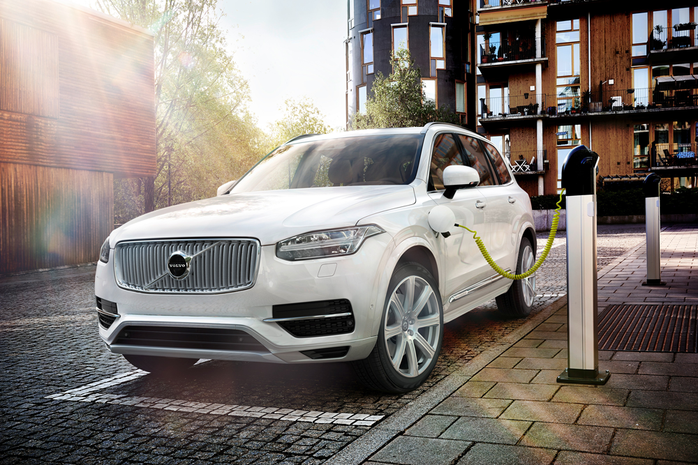 149932_Volvo_XC90_Twin_Engine.png
