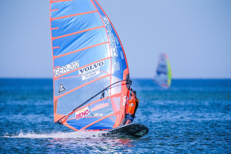 165370_Auf_der_perfekten_Welle_zum_WM_Titel_Volvo_Surf_Cup_auf_Sylt_geht_in_eine.png