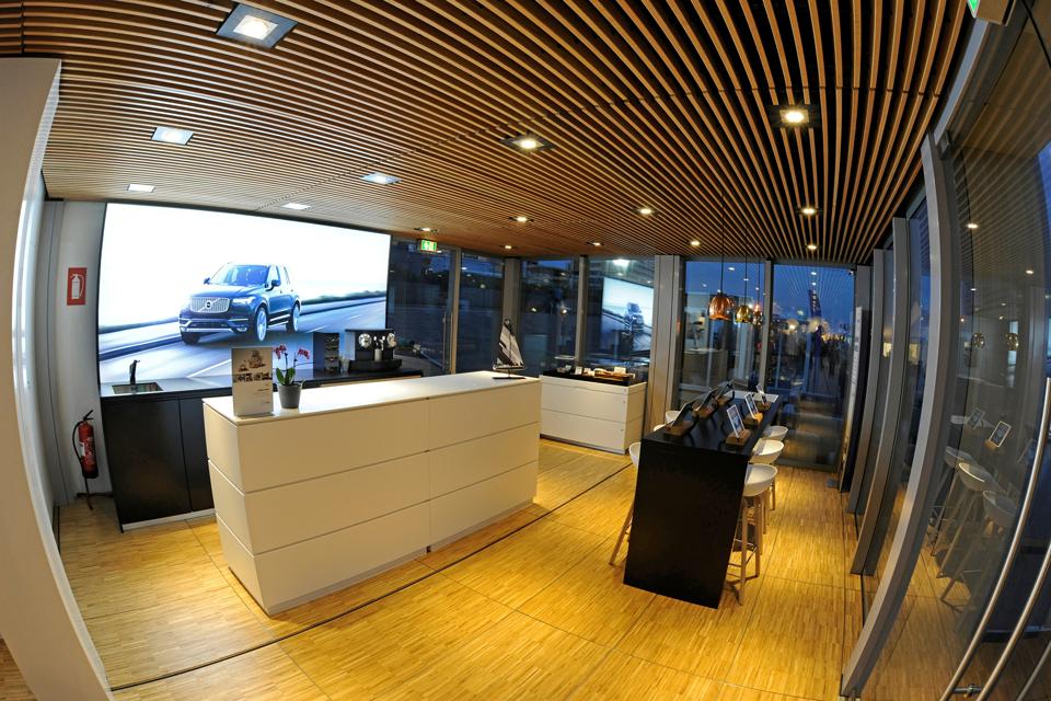 166234_Das_neue_Volvo_Forum_Mobiles_Markenhaus_bringt_Volvo_zu_den_Kunden.png