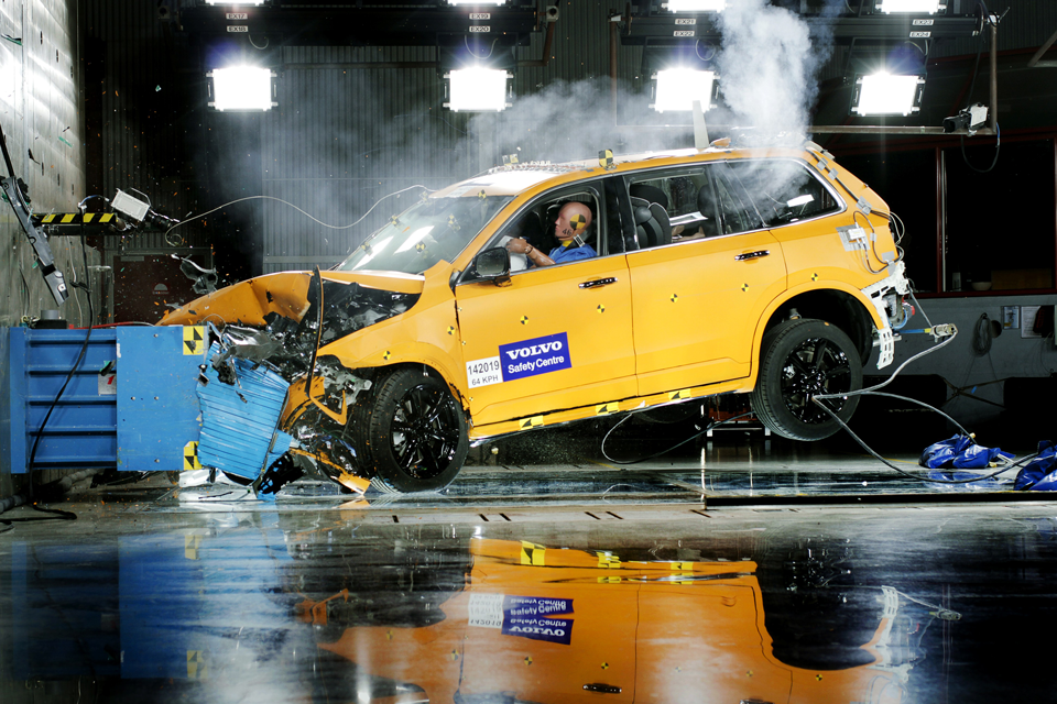 150681_Volvo_XC90_Crashtest.png