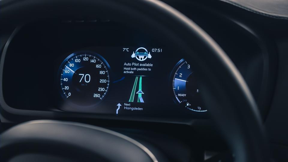 167821_Volvo_IntelliSafe_Auto_Pilot.png