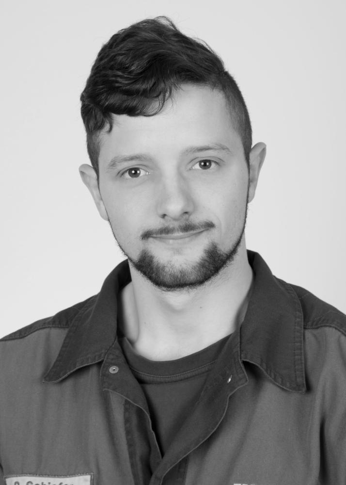 Kfz-Mechatroniker Patrick Schiefer