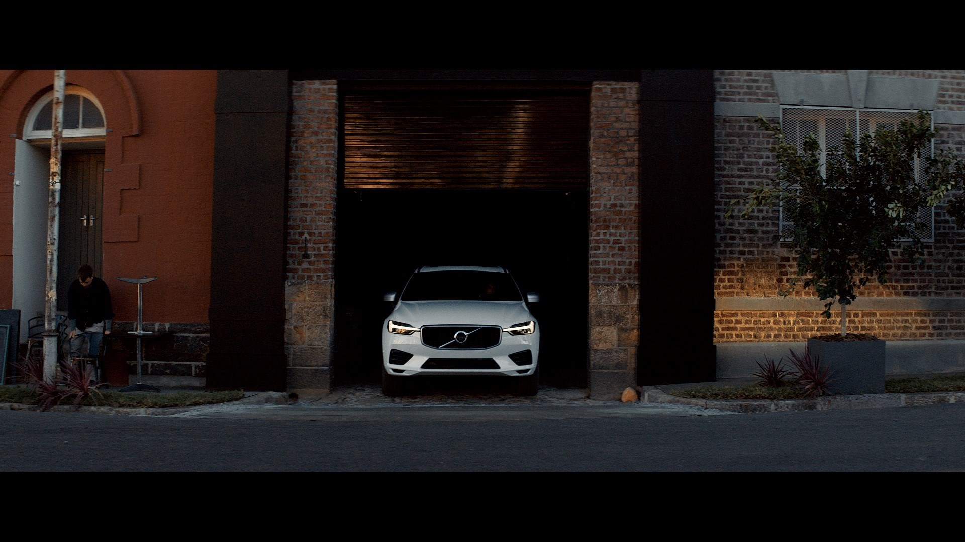 209068_Still_from_new_Volvo_XC60_brand_film.jpg