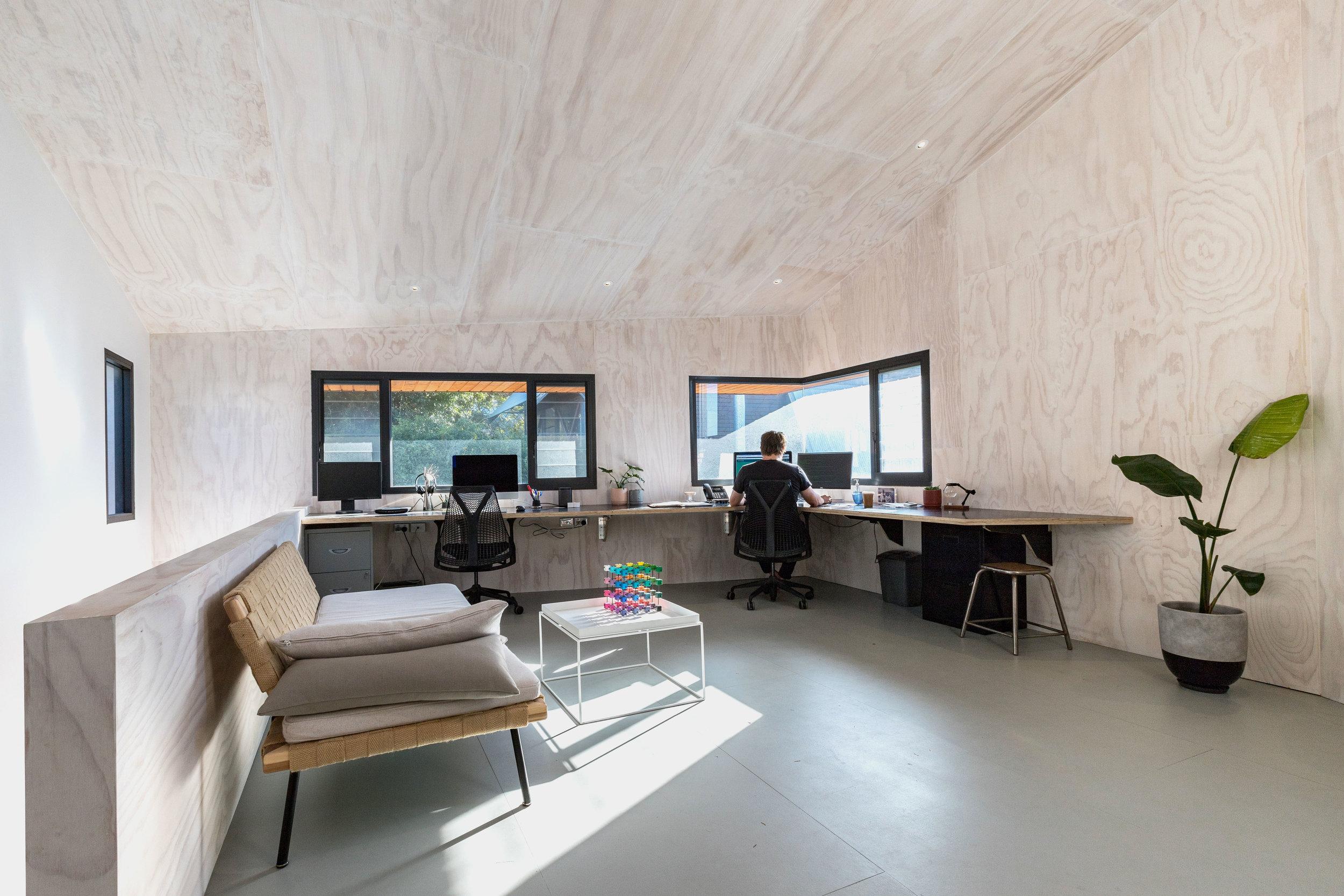 3476-small_Beach Office_Braham Architects_Nicholas Putrasia_07.jpg
