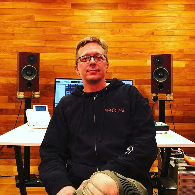 James Harley, producer, Engineer, and songwriter #recordingengineer #producer #proac #mastermixstudios #mmx #friends #tokyo #japanesewife #recordingstudio #iamfluff #prince #quietdrive #lucindawilliams #losangeles #minneapolis #dmsd #decouplers #gold #recordingstudios #studiob