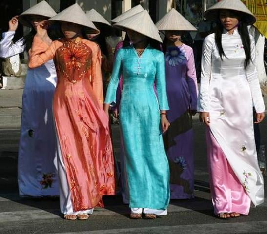 Ao Dai - traditional vietnamese garment