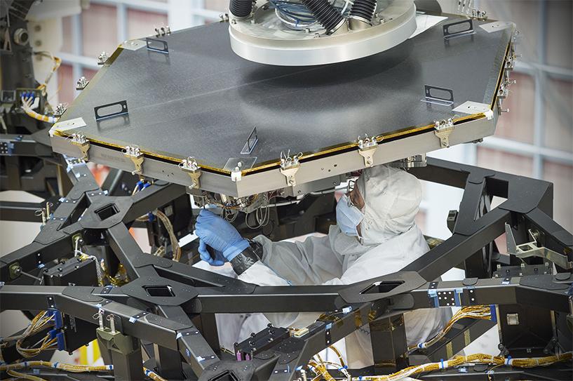 Assembly of the telescope's mirror in NASA's Goddard Space Flight Center in Maryland. (nasa.gov)