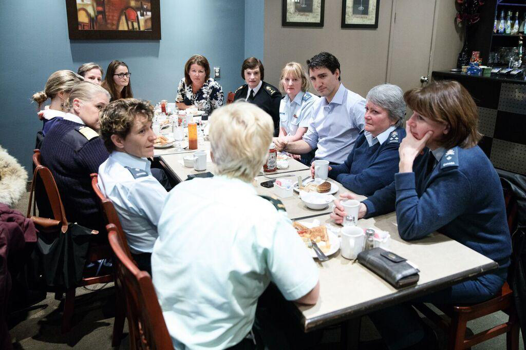 Prime Minister Justin Trudeau and Rear-Admiral Jennifer Bennett attended a breakfast meeting with senior women of the Department of National Defence, CAF and RCMP in December 2016. In January 2013, Bennett was appointed as the National Champion for Women in Defence. In this role, she provides a voice for the female workforce and promotes diversity and equality throughout DND and the CAF. (photo courtesy radm jennifer bennett)