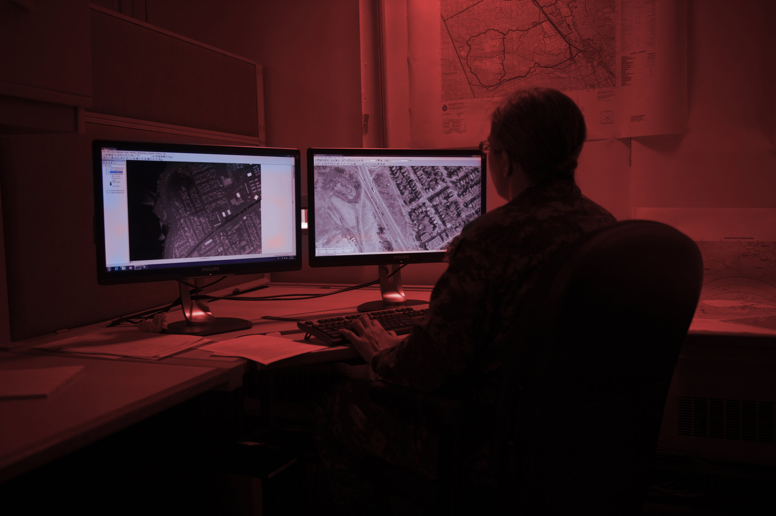 CFINTCOM provides credible, timely and integrated defence intelligence capabilities, products and services to support Canada's national security objectives. Using satellite technologies, the Map and Charting Establishment, one of CFINTCOM's five groups, provides timely and accurate mapping and charting support to DND, CAF and other government departments. (cpl francis gingras, dnd)