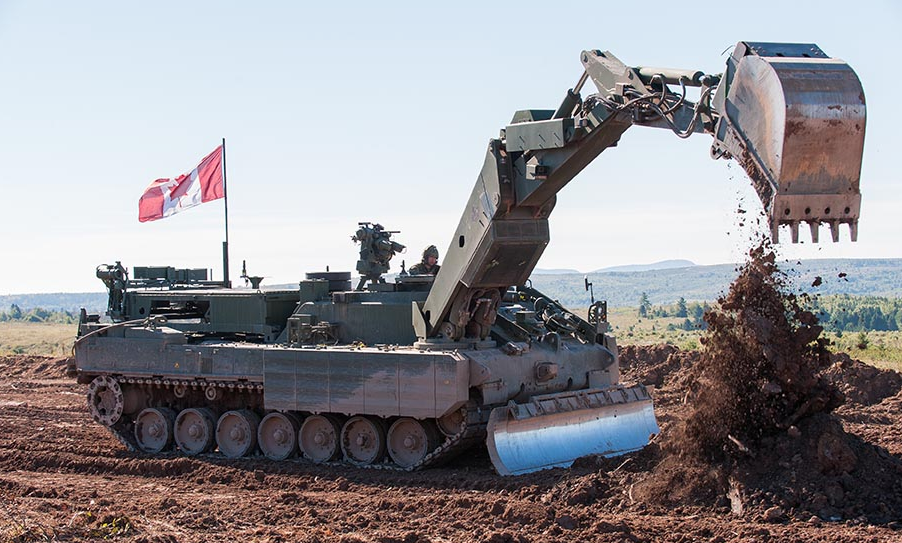 The Leopard 2 Armoured Engineering Vehicle during crew training on September 21, 2016 at 5th Canadian Division Support Base Gagetown. Photo: Joseph Comeau, © 2016 DND-MDN Canada.