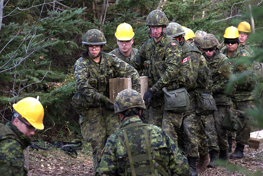 Army Reserve Soldiers from 36 Combat Engineer Regiment work with troops from 4 Engineer Support Regiment to construct a bridge at the Canadian Coast Guard College in #Sydney, Nova Scotia as part of Exercise NIHILO SAPPER in November 2017. The unit now reports to the Canadian Combat Support Brigade Headquarters. Photo: Master Corporal Charles A. Stephen, 5th Canadian Division Public Affairs. ©2018 DND/MDN Canada.
