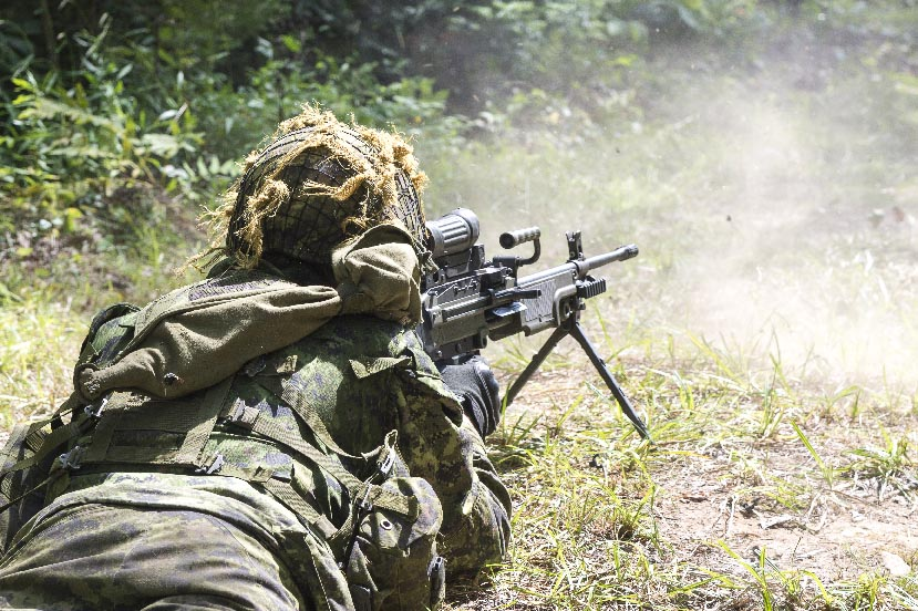 A Canadian Army Reserve soldier from 36 Canadian Brigade Group participates in Exercise STRIDENT TRACER at the 5th Canadian Division Support Base Gagetown training area in New Brunswick on August 22, 2017. Photo: Corporal Peter Ford, Tactics School, Combat Training Centre Gagetown. ©2017 DND/MDN Canada.