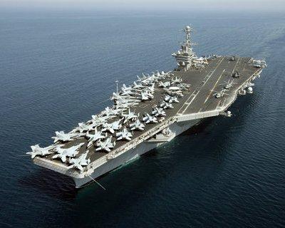 USS_John_C._Stennis,_2007May11.jpg