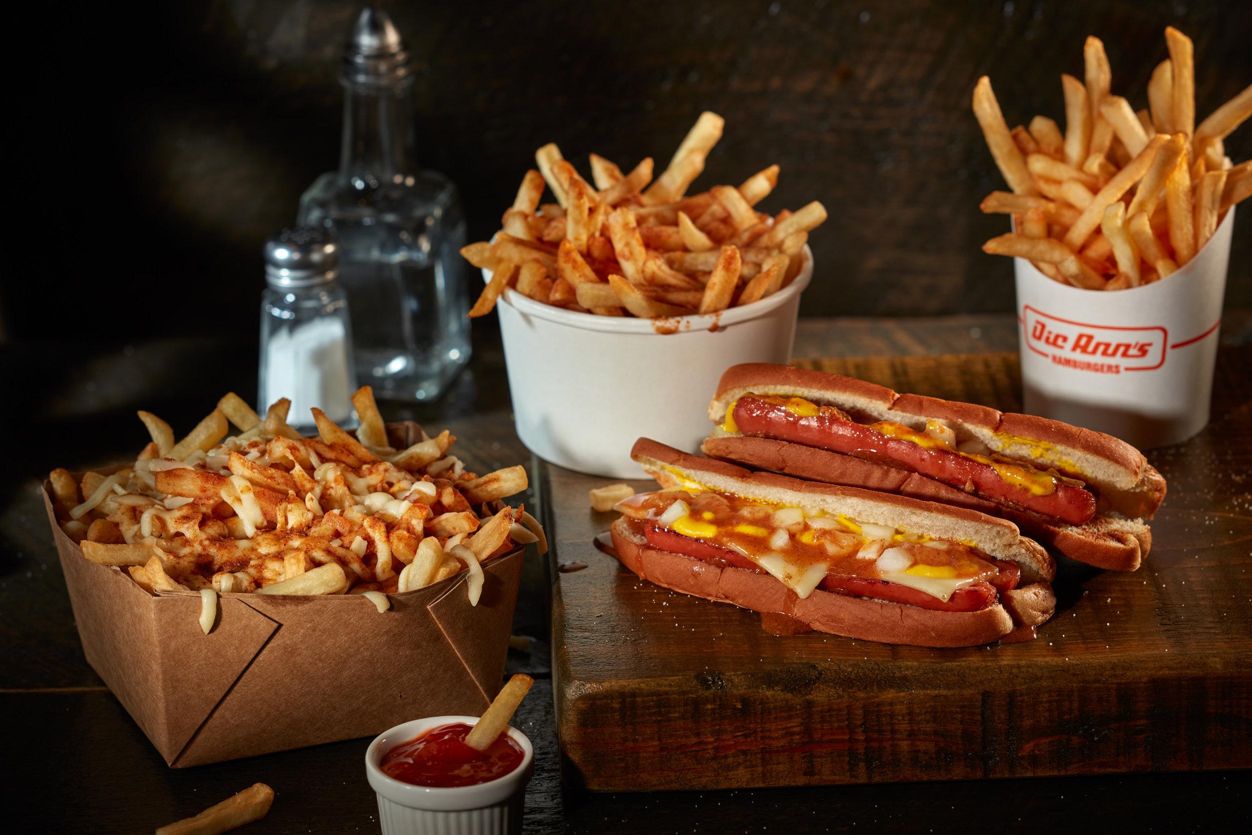 Poutine, Patates Sauce, Patates, Hot Dog & Hot Dog Fromage