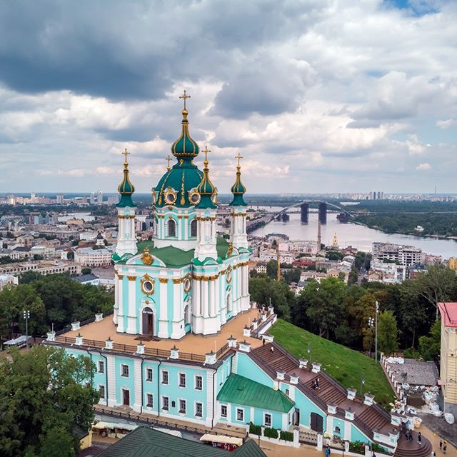 St Andrew's Church, Kiev from the high point. #ukraine#religion#kiev#master_gallery#ig_shotz_travel #ig_shotz #ourplanetdaily#awesome_photographers#master_gallery#ourplanetdaily #ig_worldclub #phototag_it#igglobalclub #thebest_capture#fantastic_earth #discoverglobe#wonderful_places #earthvacations#awesome_photographers #big_shotz #colors_of_the_day#landscapephotography #landscape#traveladdict#андреевскаяцерковь