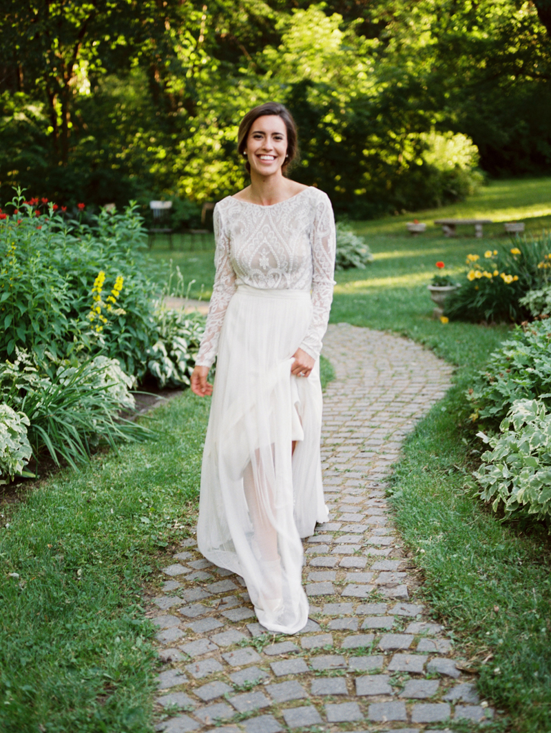 vintage lace wedding dress, studio fleurette, outing lodge stillwater mn wedding,.jpg