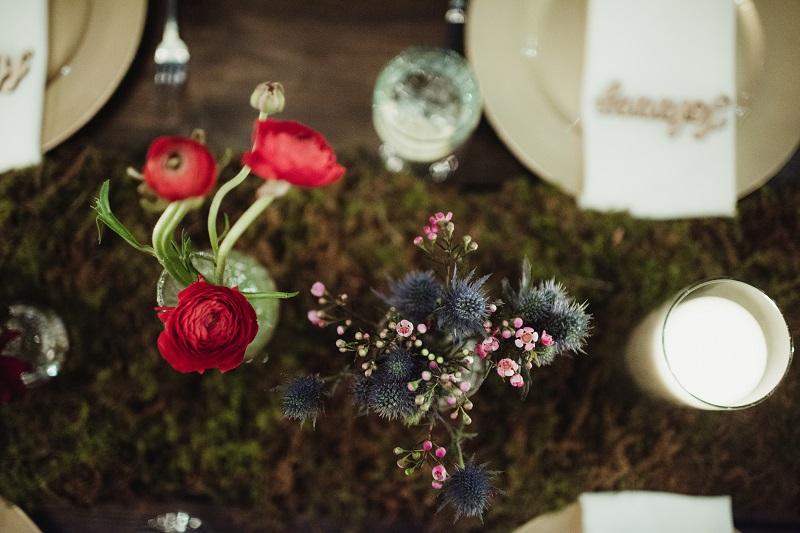 wedding moss table decor, moss tablescape, bud vases in moss runner, fresh moss table runner, studio fleurette.jpg