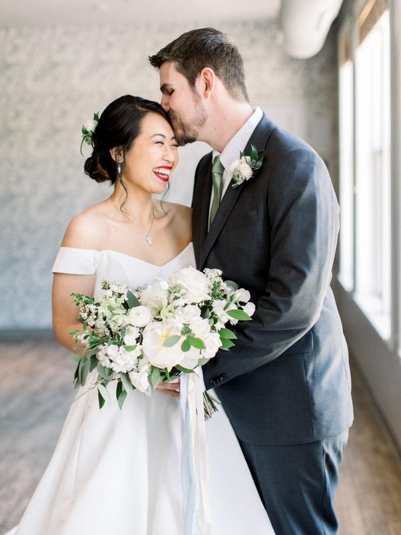 muse event center wedding, studio fleurette, romantic peony bouquet, white spring bouquet.jpg