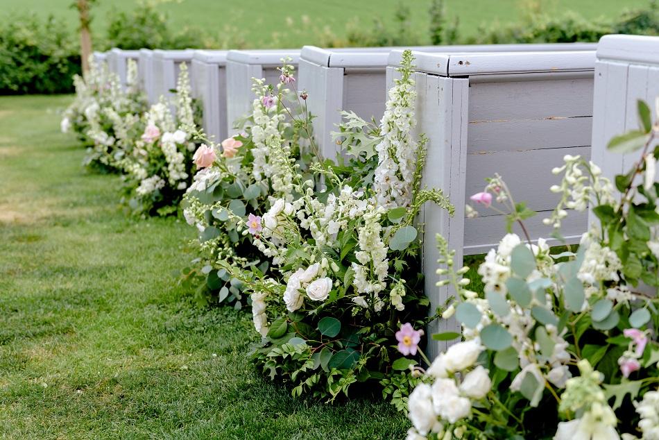 wedding aisle flower ideas, studio fleurette, legacy hill farm, wedding aisle decor.jpg