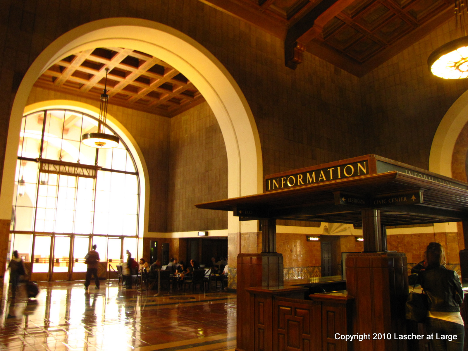 Union Station Information Booth. ( Photo by Bill Lascher)