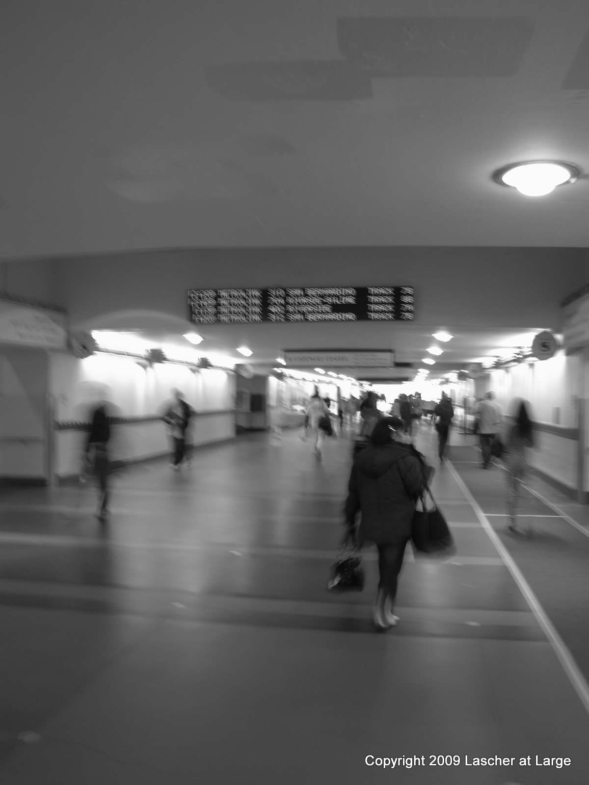 Passengers in Union Station. ( Photo by Bill Lascher ).