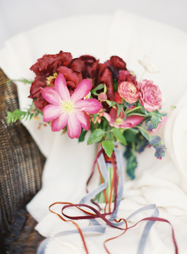 bryce-covey-photography-wedding-chicks-bouquet-ideas-mckenzie-powell-floral-wedding-inspiration-seattle-new-york-los-angeles