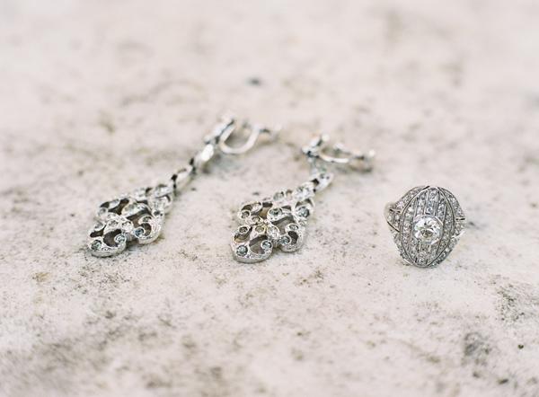 vintage-wedding-earrings.png