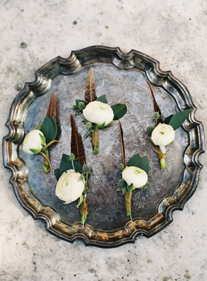 vintage-wedding-boutonnieres.png