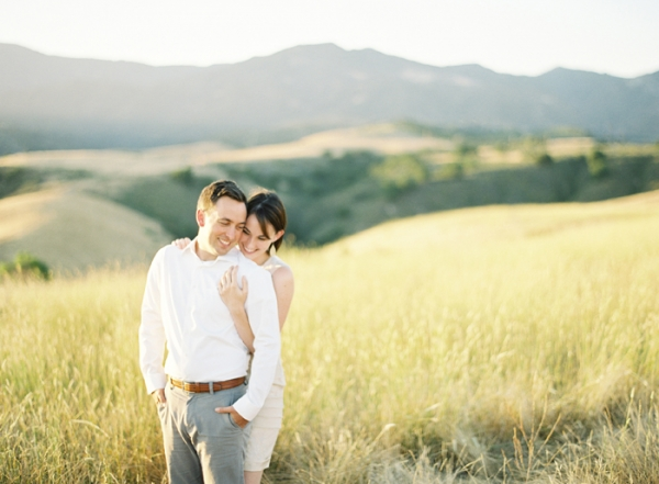 Rolling-Hills-Engagement-Shoot-by-Bryce-Covey-1-600x441.jpg