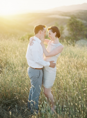 Rolling-Hills-Engagement-Shoot-by-Bryce-Covey-5-300x407.jpg