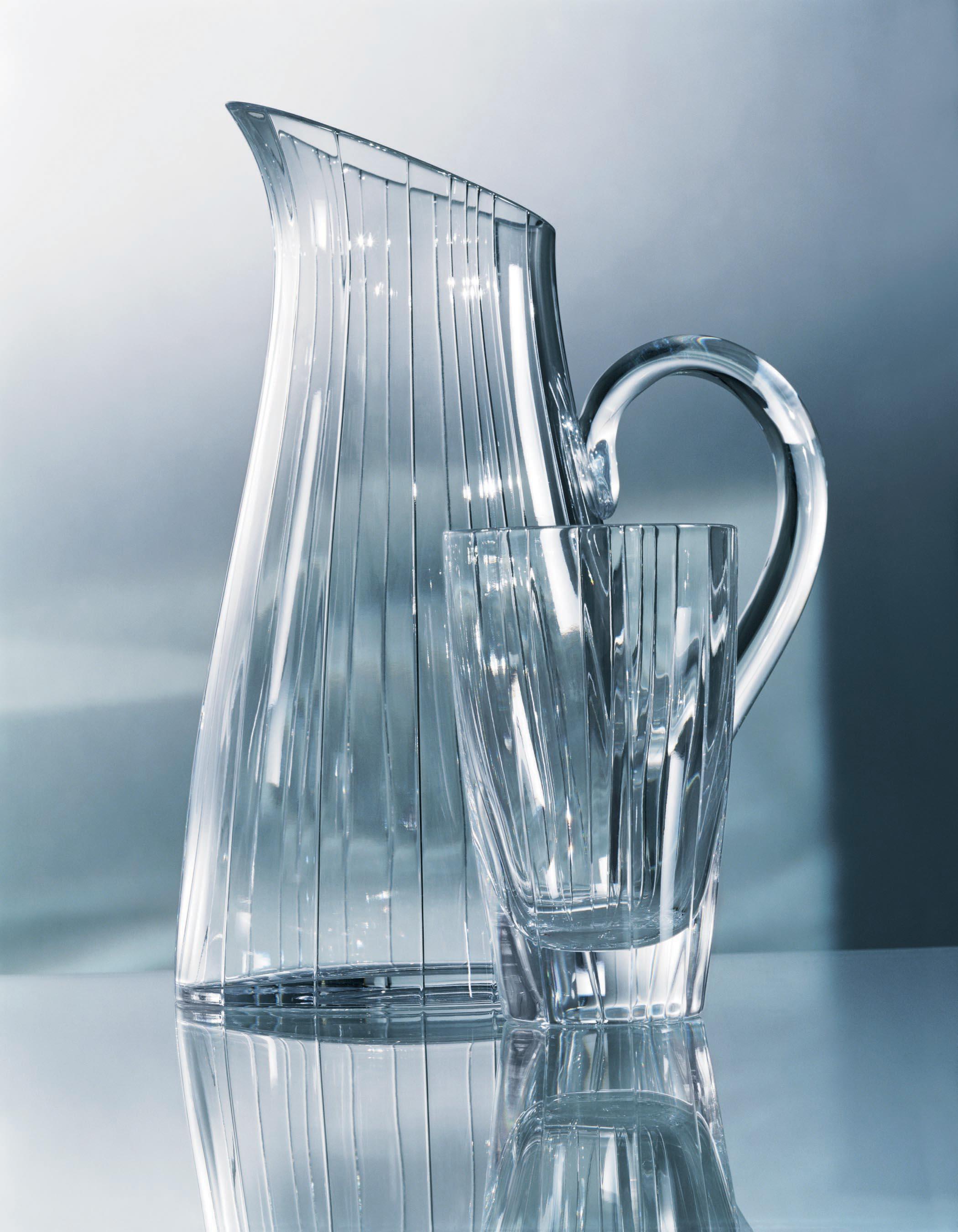 gathered lines pitcher dof adv s05.jpg