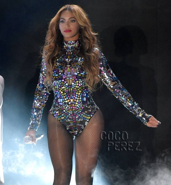 beyonce-mtv-video-music-awards-vmas-2014-performance__oPt.jpg