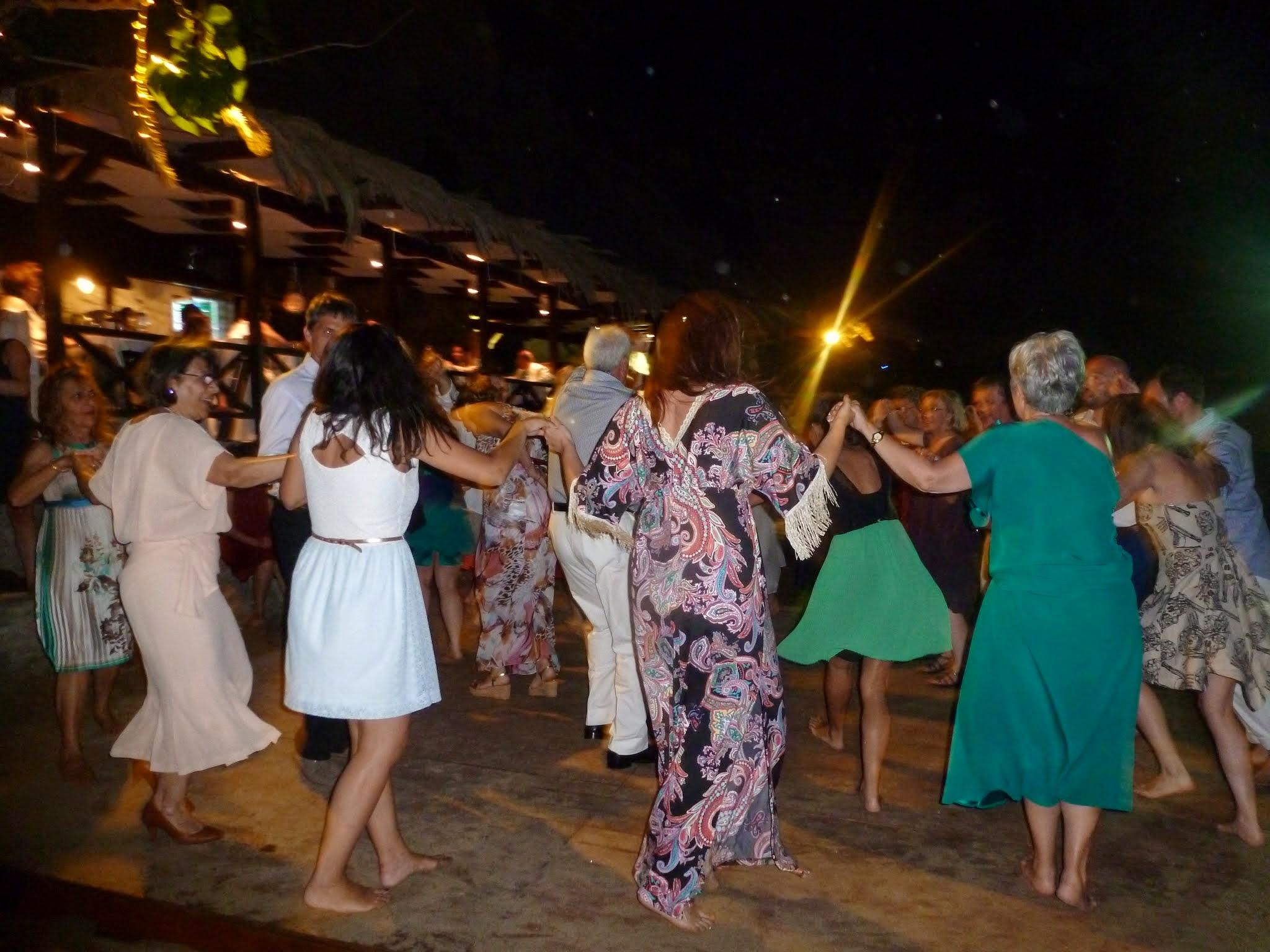 Dancers. Photo credit @mablanc