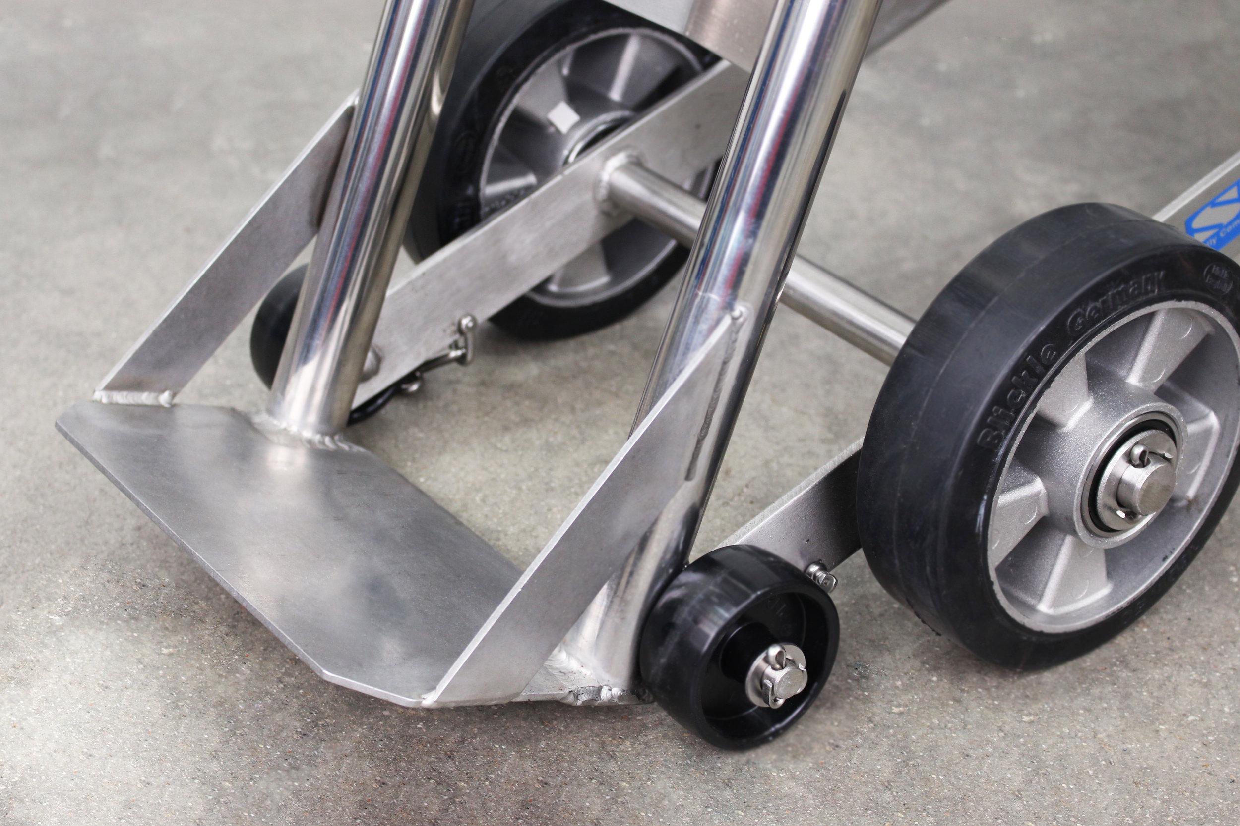 2.Unique Wheel Arrangement.jpg
