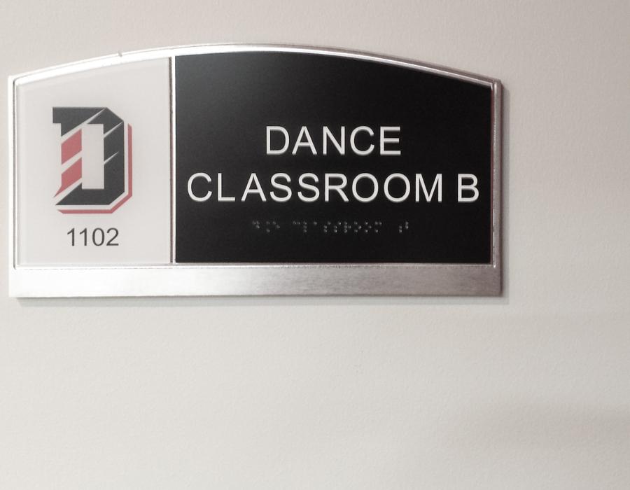 davidson_college_athletics_largeRoomID-dance-900x700.jpg