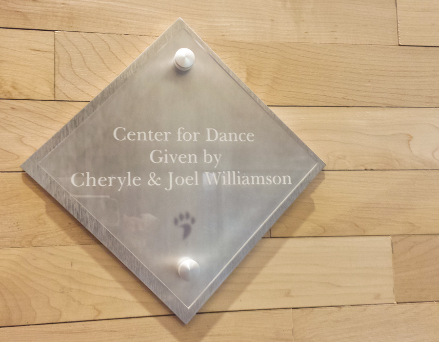 davidson_college_athletics_danceDonorPlaque2-900x700.jpg