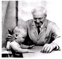Dr. Arnold Gesell