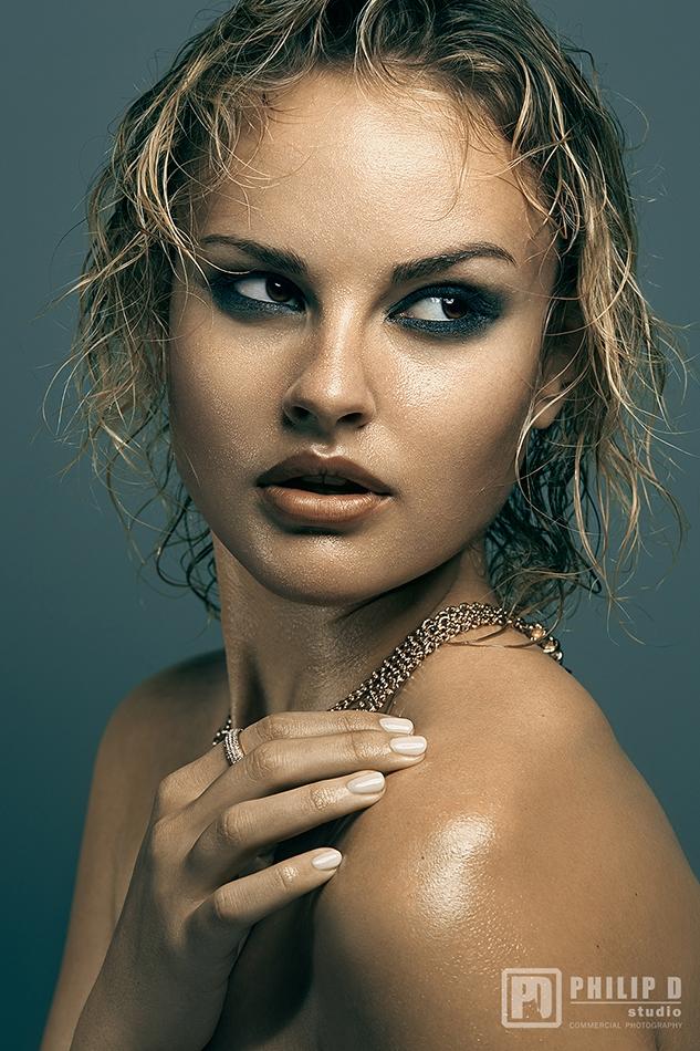 Model: Jenny G